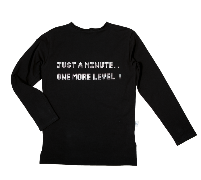 19-030 LONGSLEEVE BLACK / JUST A MOMENT