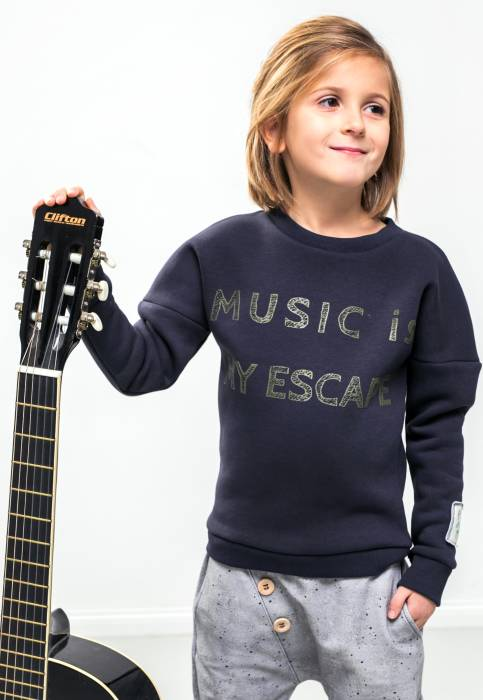 18-126 / SWEATSHIRT winter / music